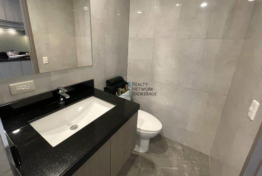 mandani-bay-quay-studio-unit-for-sale-toilet-area