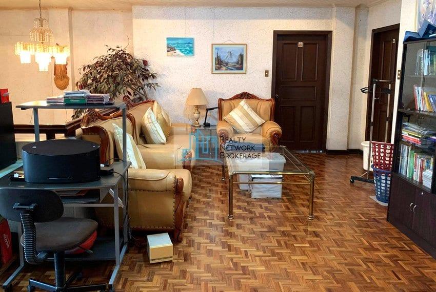 sto-nino-village-house-for-sale-in-banilad-sala-4