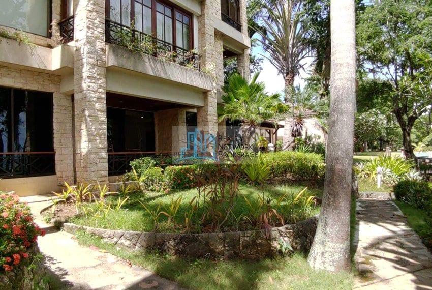 1-bedroom-for-sale-in-coral-point-mactan-garden