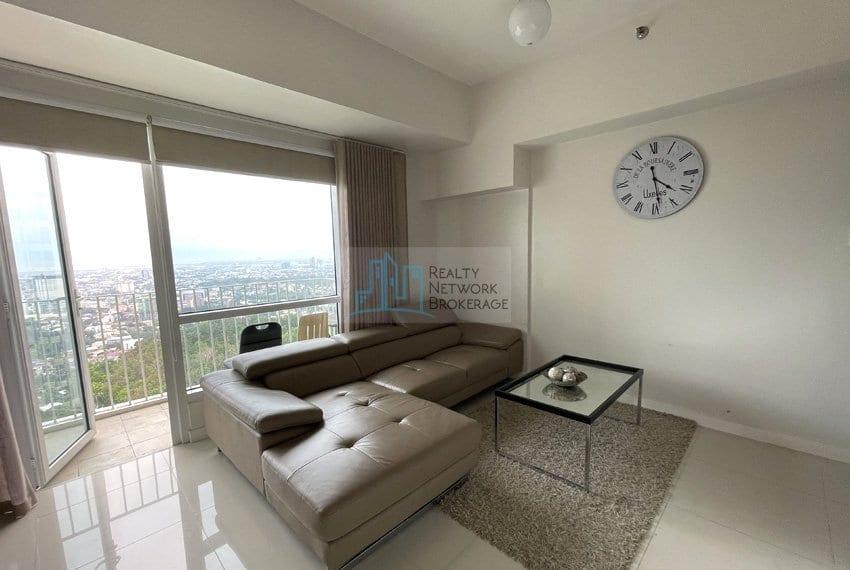 2-bedroom-for-sale-in-marco-polo-cebu-sala-area