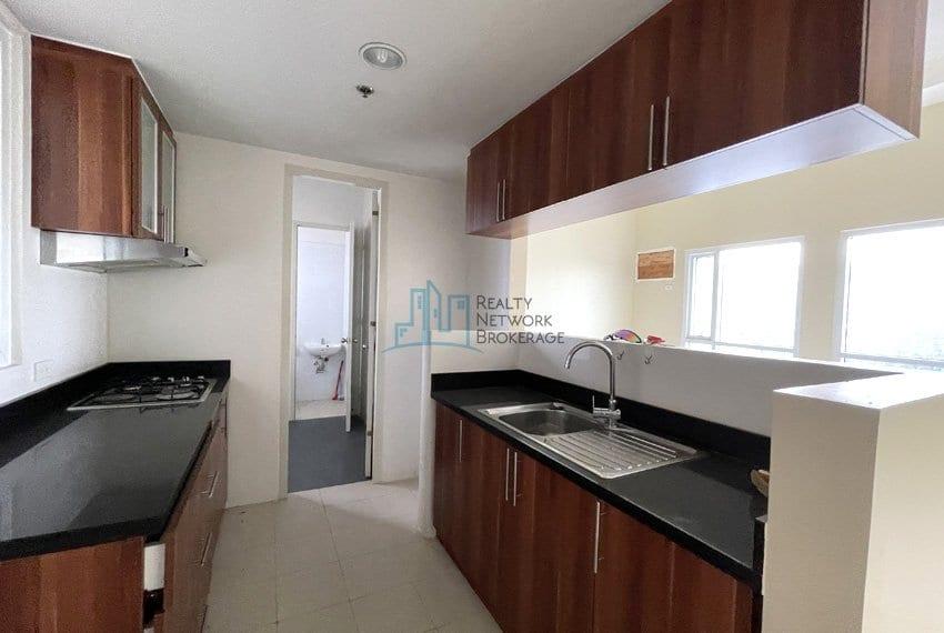 2-bedroom-in-marco-polo-cebu-for-sale-kitchen