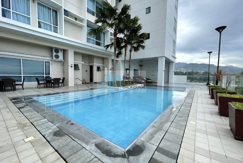 2-bedroom-in-marco-polo-cebu-for-sale-swimming-pool
