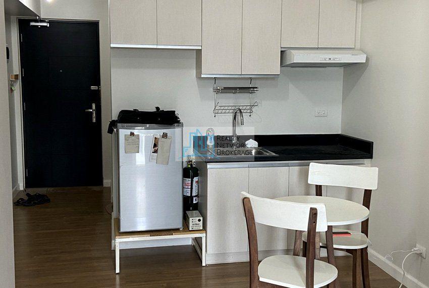 for-rent-solinea-studio-unit-in-cebu-business-park-family-area