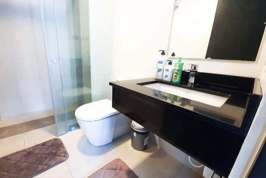 solinea-tower-1-studio-unit-for-sale-bathroom
