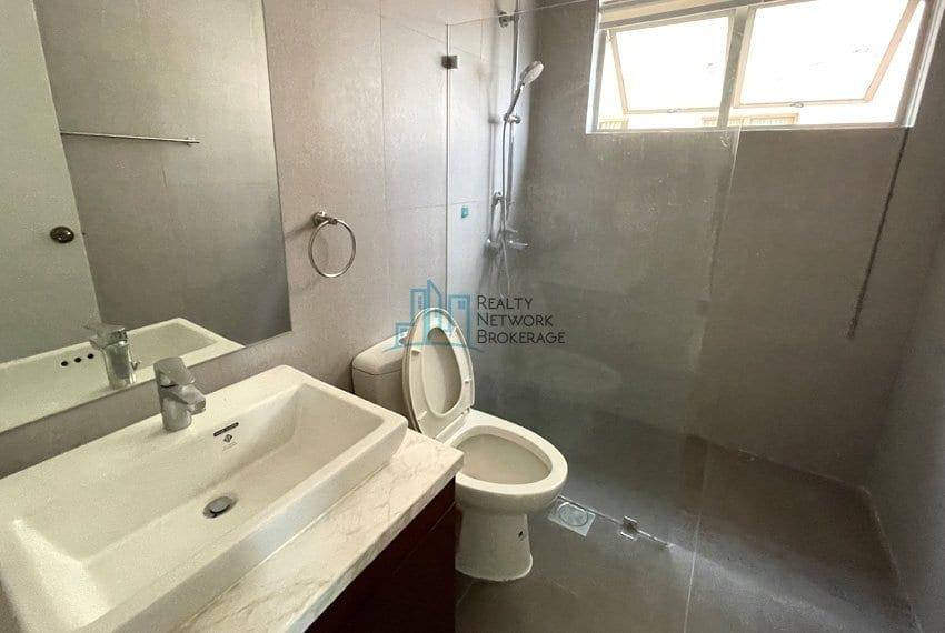 unit-for-sale-in-city-lights-garden-toilet-bathroom