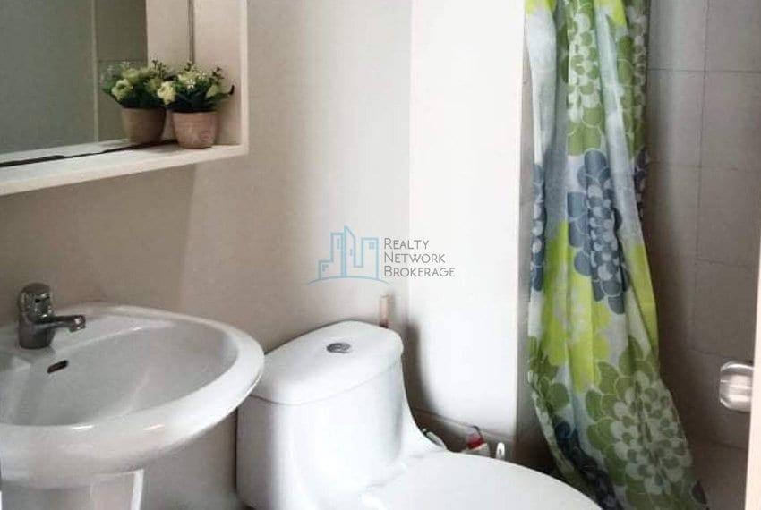 1-bedroom-avida-tower-cebu-for-sale-bath&toilet