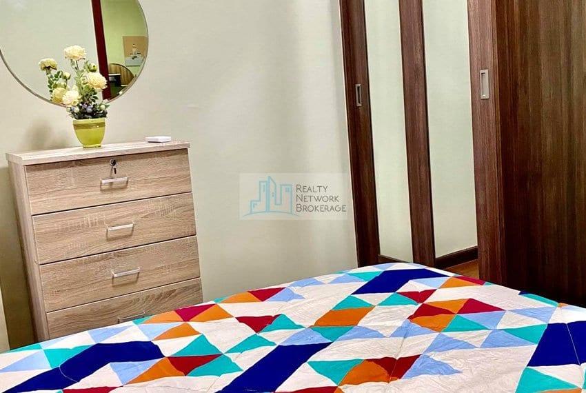 1-bedroom-azalea-place-for-sale-bedroom-angle