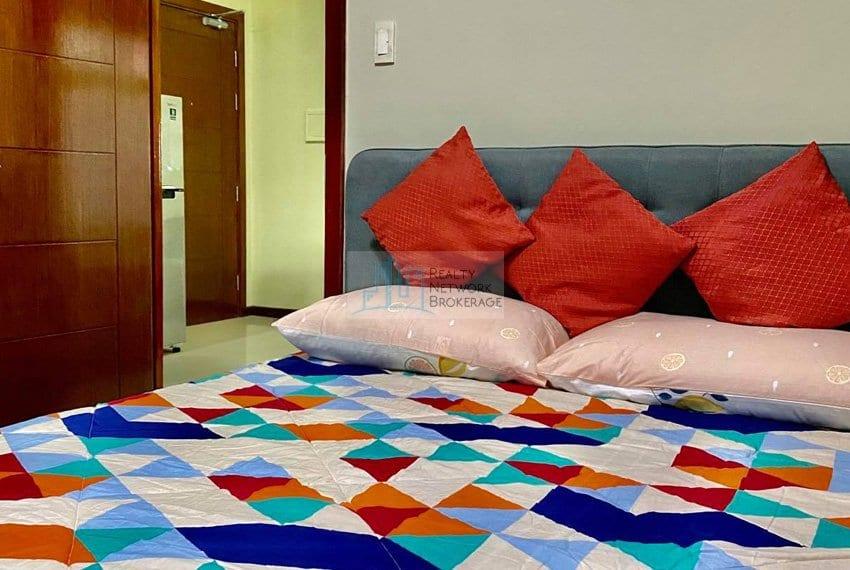 1-bedroom-azalea-place-for-sale-bedroom