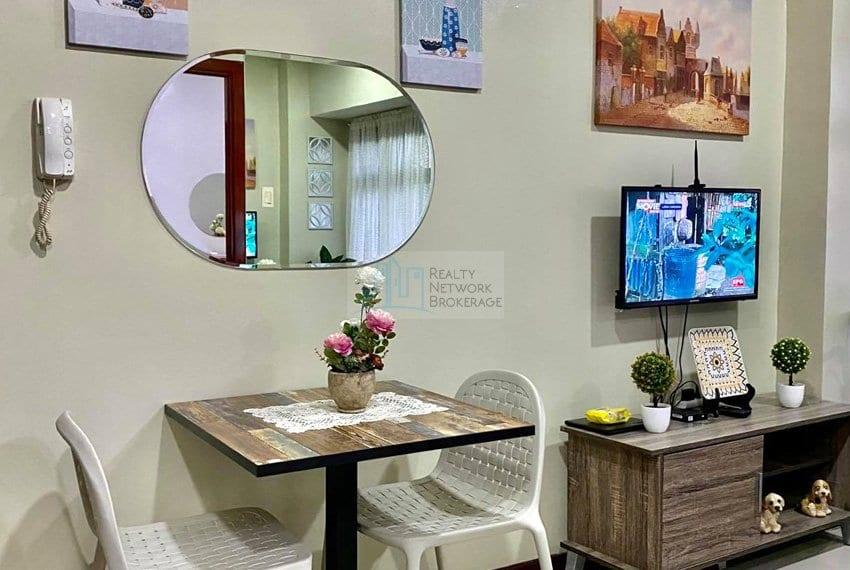 1-bedroom-azalea-place-for-sale-dinein