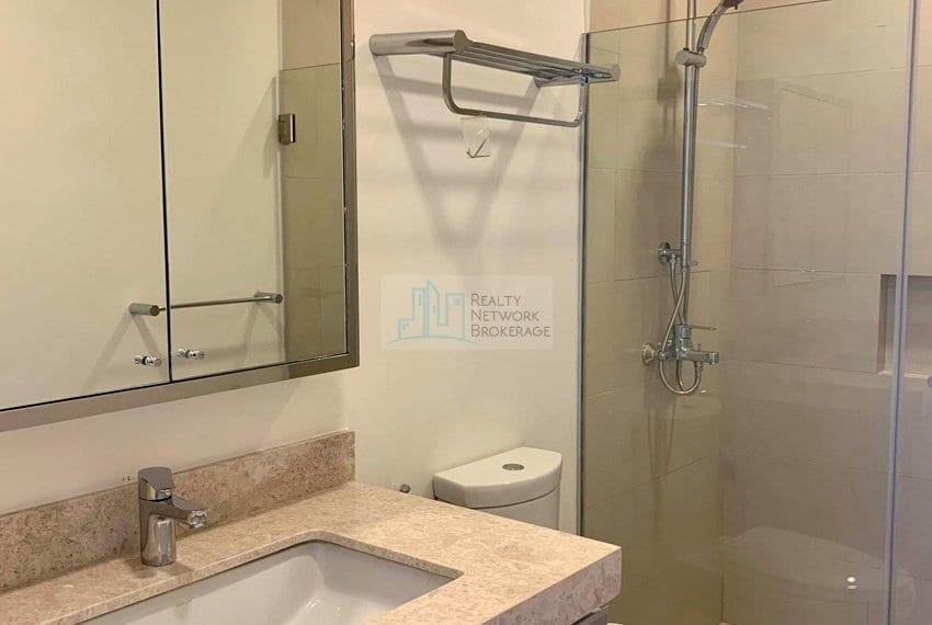 2-bedroom-rfo-for-sale-in-32-sanson-cebu-bathroom&toilet
