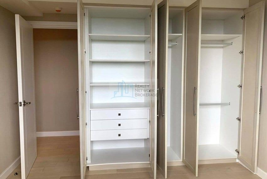 2-bedroom-rfo-for-sale-in-32-sanson-cebu-room-area