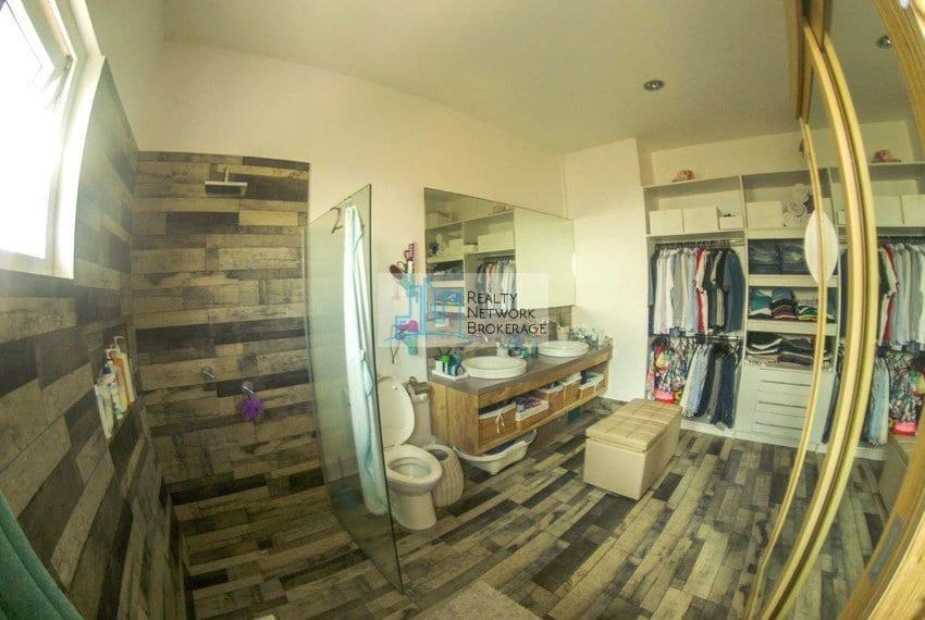high-end-sto-nino-village-property-for-sale-bathroom