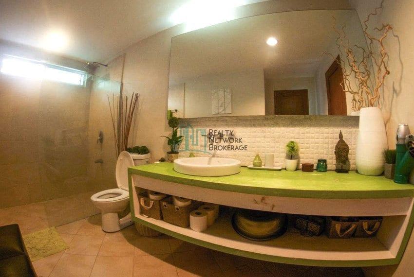 high-end-sto-nino-village-property-for-sale-bath&toilet