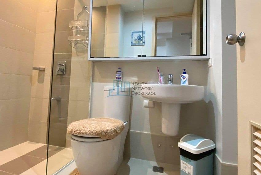 solinea-tower-3-studio-unit-for-sale-bath&toilet