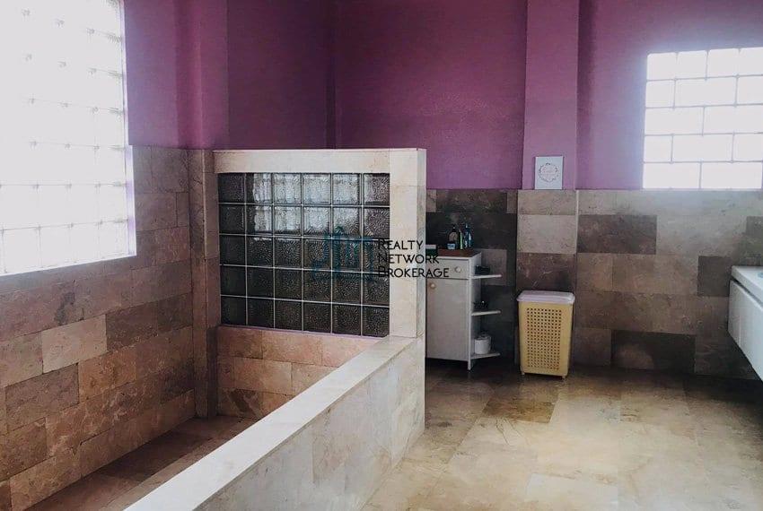 sunny-hills-house-for-sale-bathroom