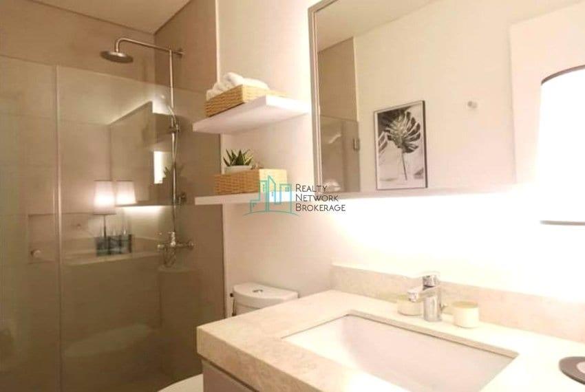 garden-2-bedroom-for-sale-in-32-sanson-rockwell-toilet-bath