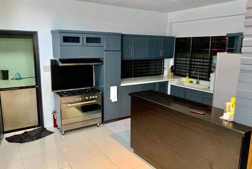 st-michaels-village-house-for-sale-in-banilad-kitchen