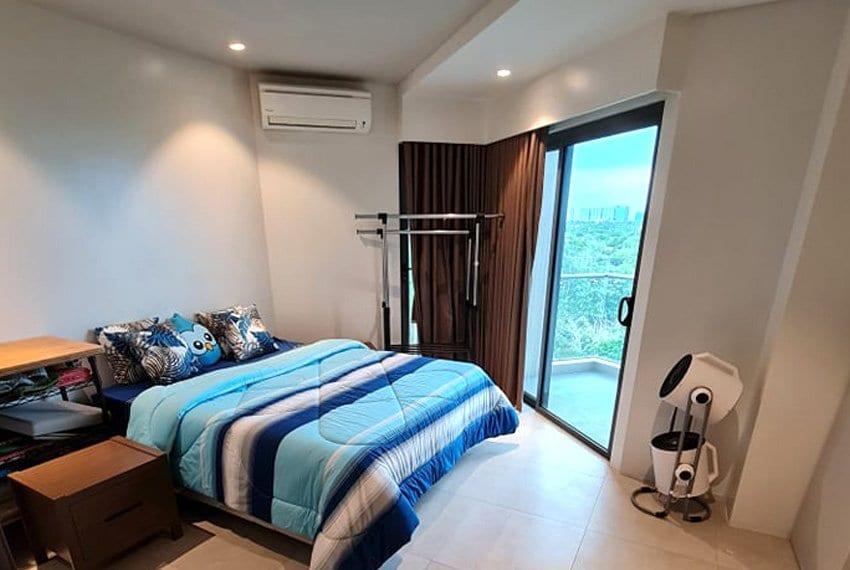tambuli-condo-mactan-bed-angle-view-studio