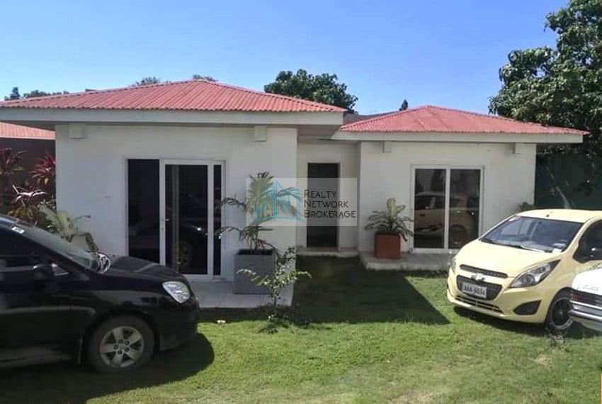 2367-sqm-pajac-lapu-lapu-house-and-lot-for-sale-house-outside