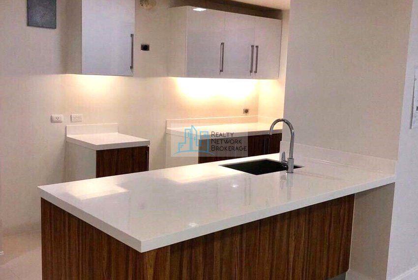 alcoves-1-bedroom-corner-unit-for-sale-kitchen-corner