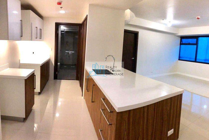 alcoves-1-bedroom-corner-unit-for-sale-kitchen