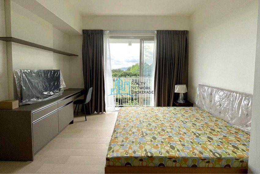 studio-unit-for-sale-in-32-sanson-rockwell-bedroom