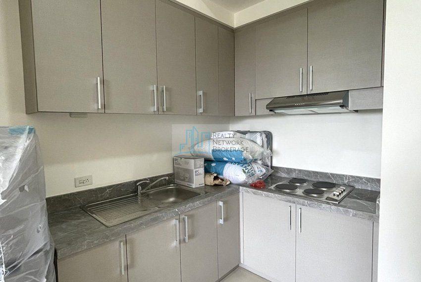 studio-unit-for-sale-in-32-sanson-rockwell-kitchen