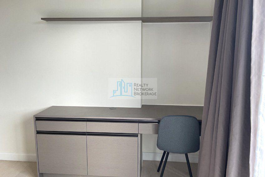 studio-unit-for-sale-in-32-sanson-rockwell-table-set