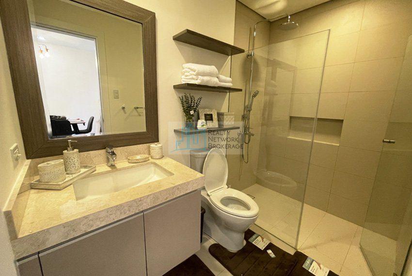 1-bedroom-for-rent-in-32-sanson-cebu-bathroom