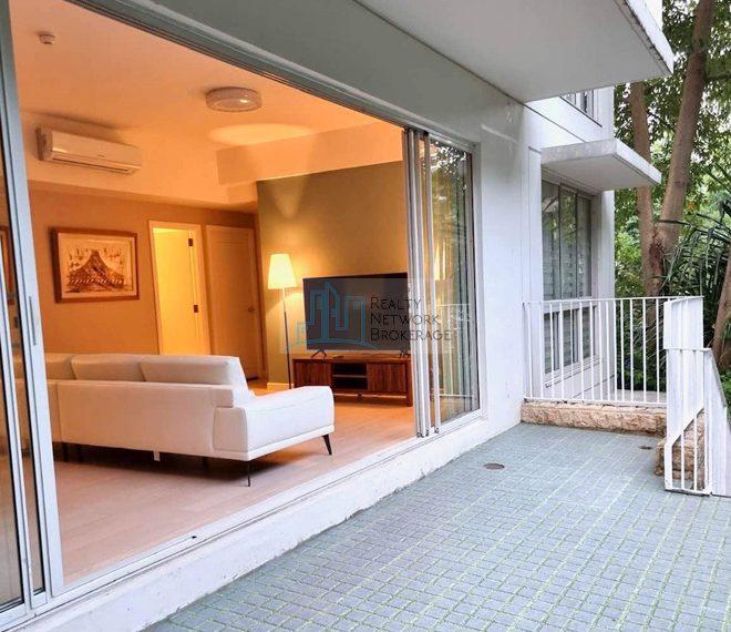 3-bedroom-unit-for-rent-in-32-sanson-cebu-balcony-body-profile
